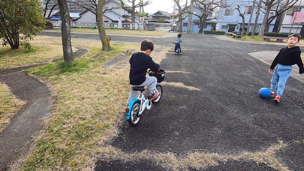 補助輪なし 自転車 乗り方
